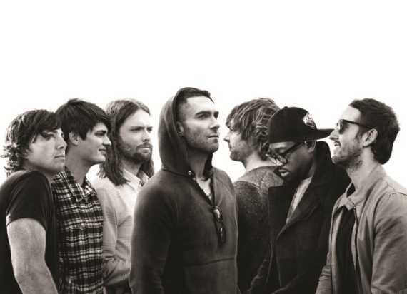 Maroon 5, all members together on one Pic