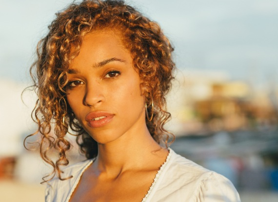 Izzy Bizu, singer-songwriter